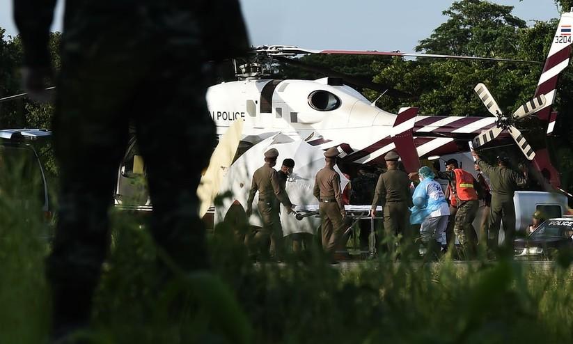"""Những hình ảnh ấn tượng về cuộc """"giải cứu hang động"""" ở Thái Lan ảnh 7"""