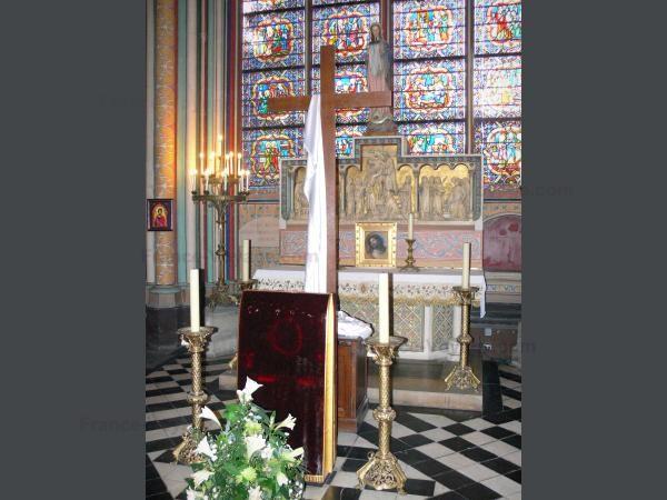 Chùm ảnh về vẻ đẹp của Nhà thờ Đức Bà Paris trước vụ hỏa hoạn làm sập mái vòm và tháp đêm 15/4 ảnh 11