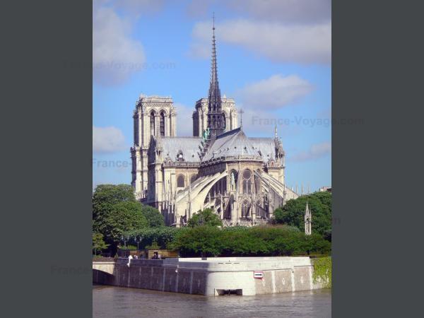 Chùm ảnh về vẻ đẹp của Nhà thờ Đức Bà Paris trước vụ hỏa hoạn làm sập mái vòm và tháp đêm 15/4 ảnh 6