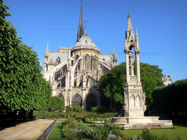 Chùm ảnh về vẻ đẹp của Nhà thờ Đức Bà Paris trước vụ hỏa hoạn làm sập mái vòm và tháp đêm 15/4 ảnh 2