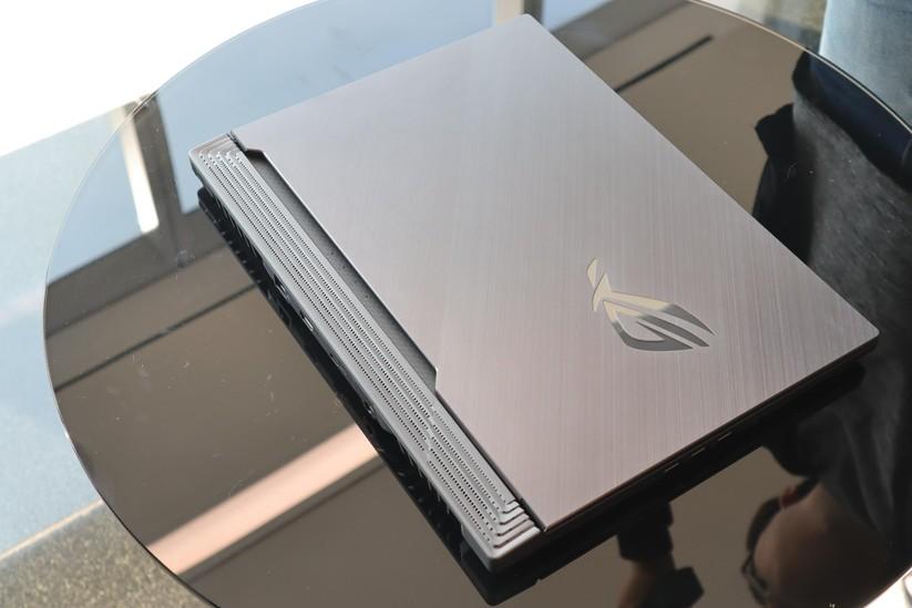 Asus công bố dải laptop gaming cấu hình rất mạnh với chip Core i9 thế hệ thứ 9 và đồ họa NVIDIA GeForce GTX 16-Series ảnh 7