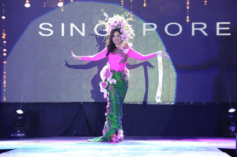 Châu Ngọc Bích thắng giải trang phục dân tộc đẹp nhất ảnh 8