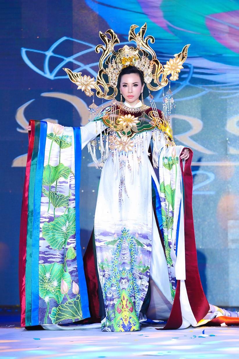 Châu Ngọc Bích đăng quang Hoa hậu Đại sứ quý bà thế giới ảnh 7