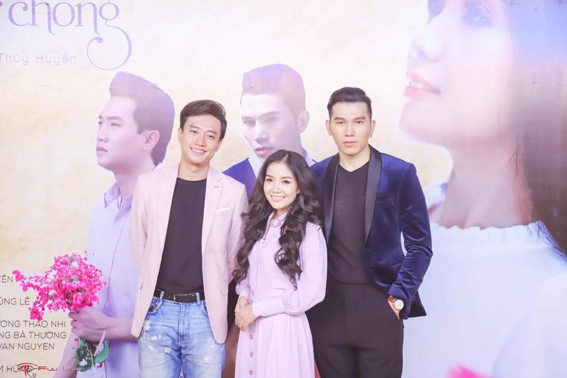 """Quang Lê chúc mừng """"sầu nữ lệ vàng"""" Thúy Huyền ra mắt MV bolero ảnh 4"""