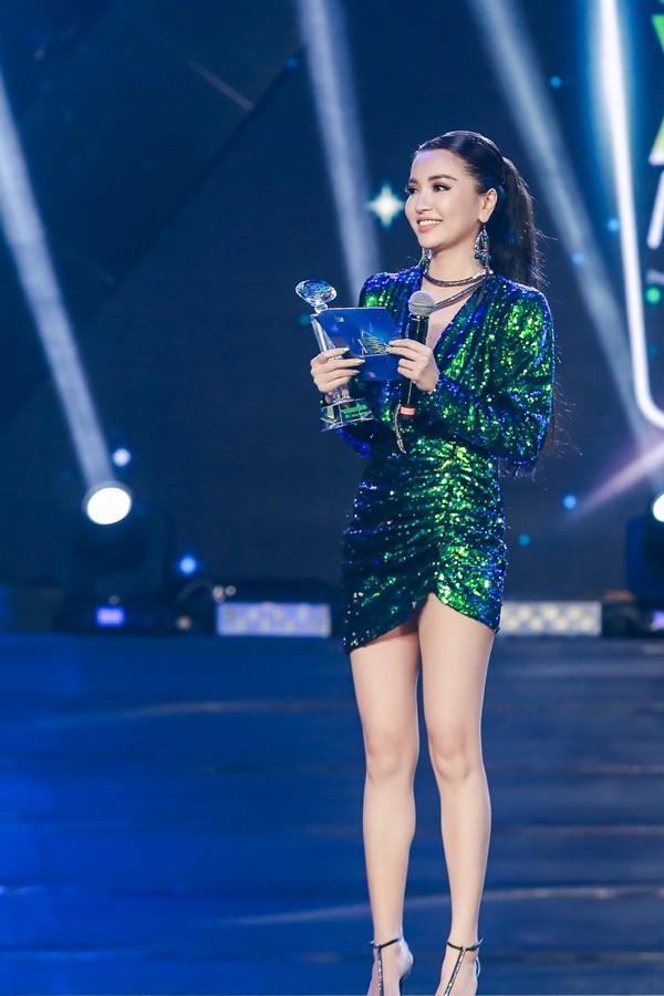 Diễm My 9X tiết lộ hâm mộ Bích Phương, Tiên Cookie từ lâu ảnh 4