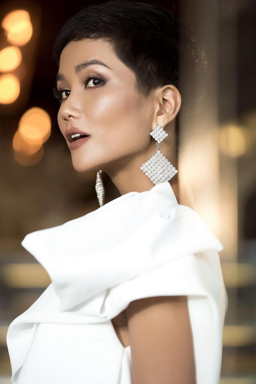 H'Hen Niê lọt top 50 người phụ nữ ảnh hưởng nhất Việt Nam ảnh 1