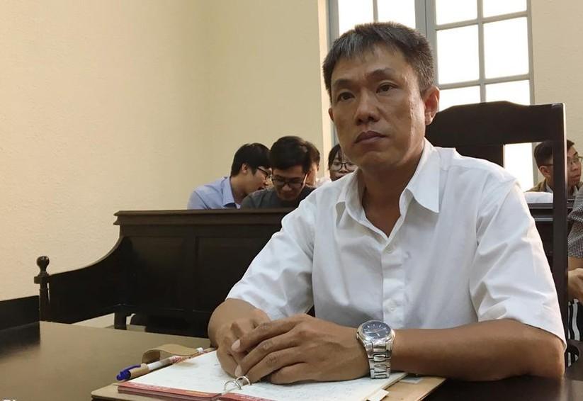 Họa sĩ Lê Linh tại phiên tòa sơ thẩm (Ảnh: Hoài Thanh)