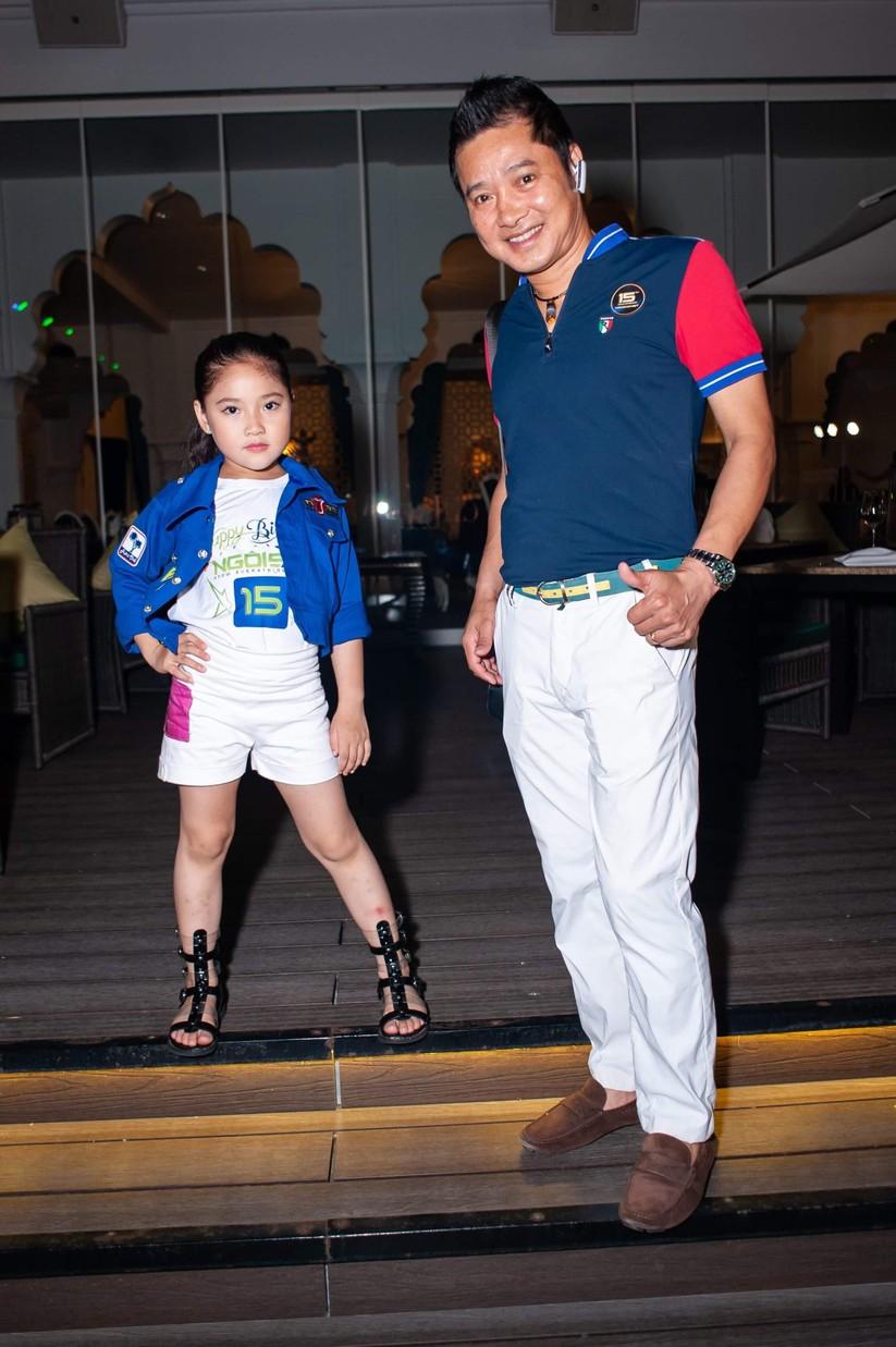 Hai cha con Nguyễn Hồng Sơn - Nguyễn Khánh Vân đầy phong cách