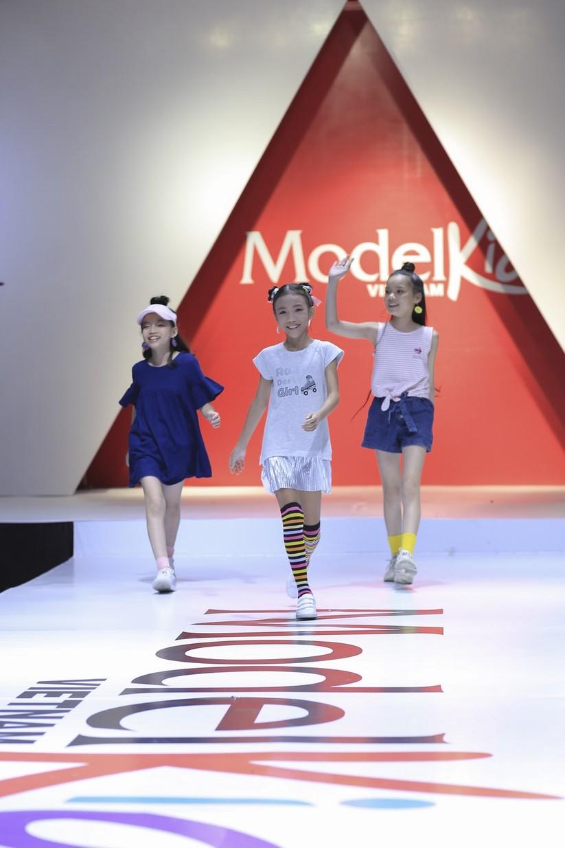 Con gái cựu danh thủ Hồng Sơn cùng 20 mẫu nhí sẽ lên sóng VTV ảnh 5