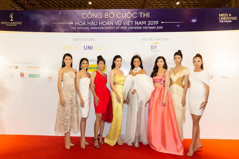 Hoa hậu H' Hen Niê được tặng vĩnh viễn vương miện tiền tỷ ảnh 6