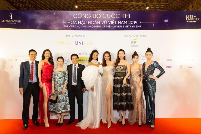 Hoa hậu H' Hen Niê được tặng vĩnh viễn vương miện tiền tỷ ảnh 10
