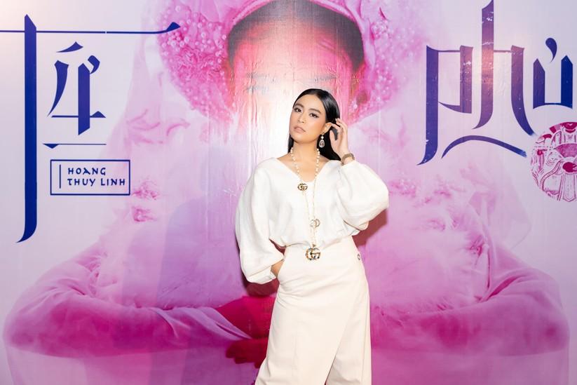 Hoàng Thùy Linh xuất hiện tại buổi ra mắt MV