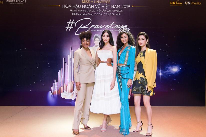 Hoa hậu H'Hen Niê và á hậu Hoàng Thùy đọ dáng trên sàn catwalk ảnh 13