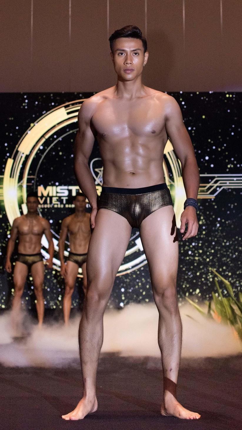 """Lộ diện top 30 """"mỹ nam"""" hot nhất Mister Vietnam 2019 ảnh 5"""