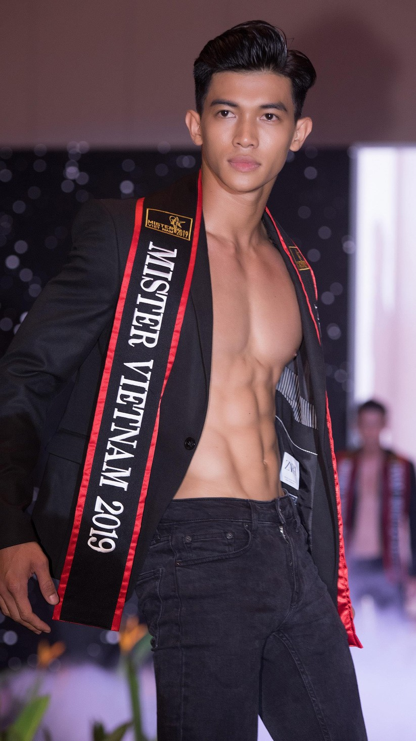 """Lộ diện top 30 """"mỹ nam"""" hot nhất Mister Vietnam 2019 ảnh 8"""