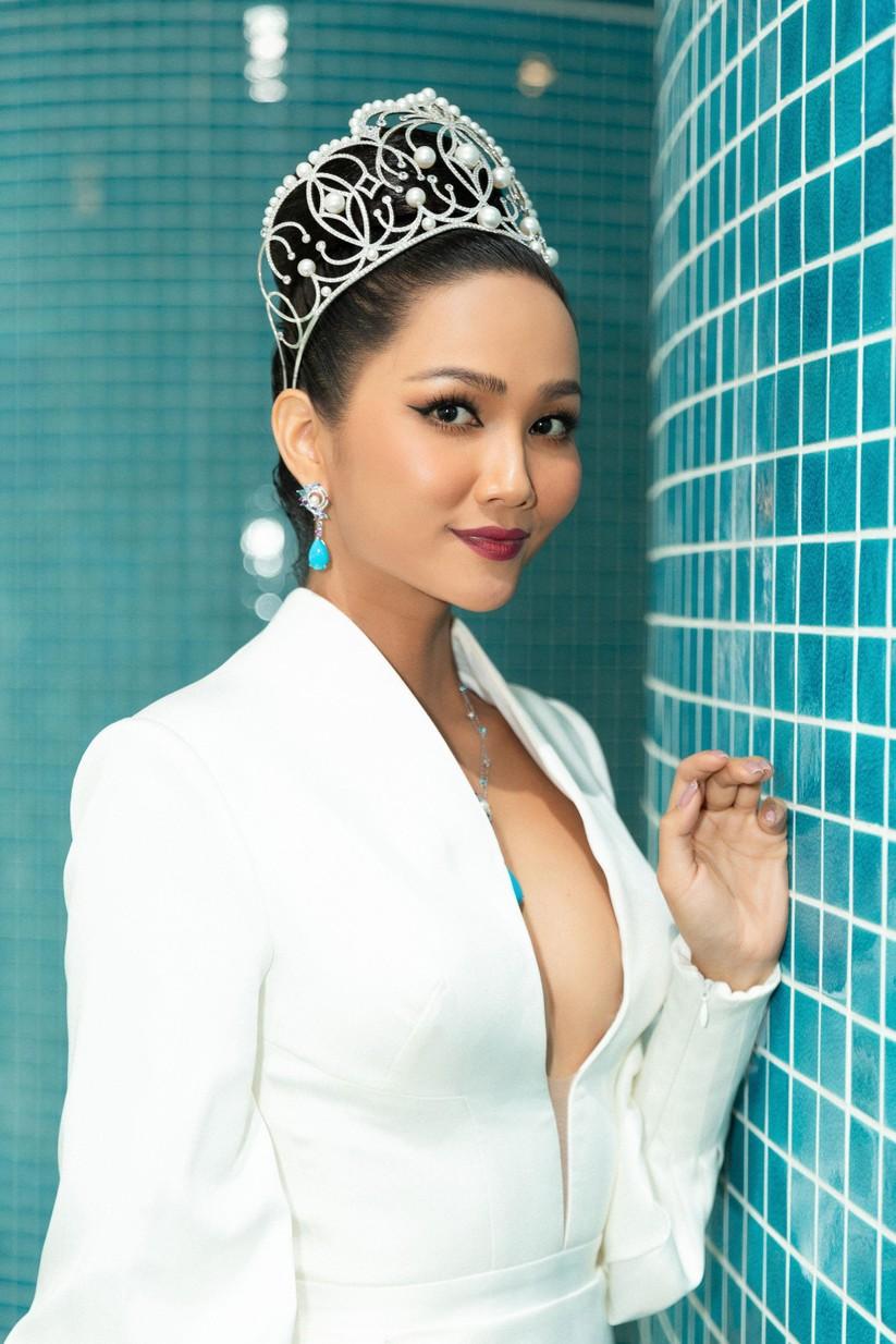 Nóng bỏng phần thi bikini Hoa hậu Hoàn vũ VN 2019 ảnh 9