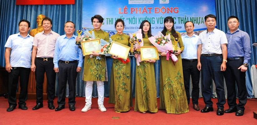"""Hoa hậu Hà Kiều Anh, Thúy Nga và các nghệ sỹ """"Nói không với rác thải nhựa"""" ảnh 10"""