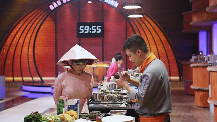 """Xem Việt Hương """"tái xuất"""", """"thả thính"""" với màn hẹn hò """"siêu nhanh thần tốc"""" ảnh 5"""