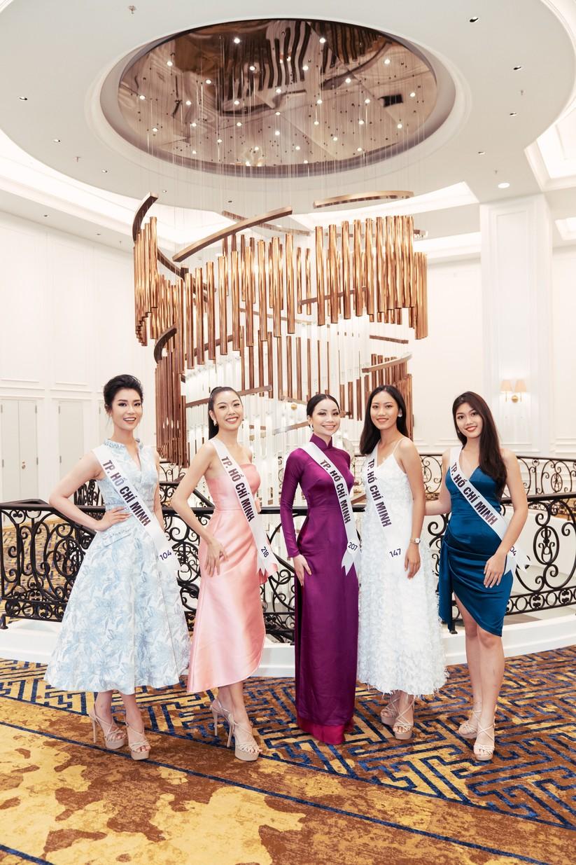 Hoa hậu H'Hen Niê khác lạ với tóc rất dài đua sắc cùng thí sinh Hoa hậu Hoàn vũ ảnh 17