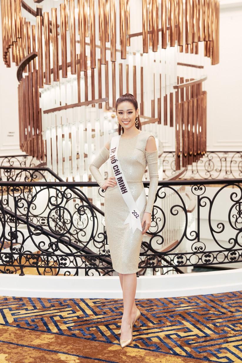 Hoa hậu H'Hen Niê khác lạ với tóc rất dài đua sắc cùng thí sinh Hoa hậu Hoàn vũ ảnh 16