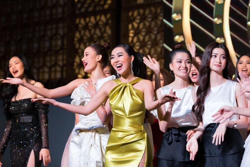 Đêm tiệc lộng lẫy của các Hoa hậu thu 1 tỷ 40 triệu đồng ảnh 2