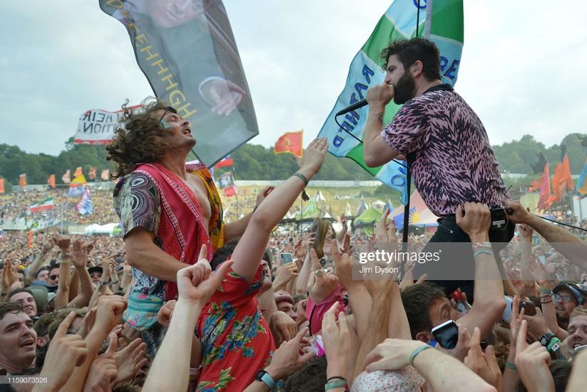 Mới đây, nhà tổ chức vừa thông báo vé tham dự Glastonbury Festival 2020 đã bán hết sạch