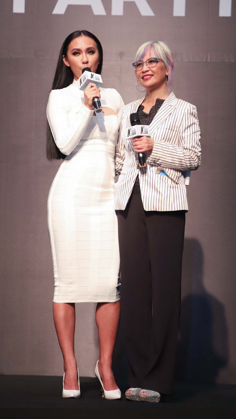 Hoa hậu H'Hen Niê, Á hậu Thúy Vân cùng dàn sao đổ bộ tuần lễ thời trang ảnh 4
