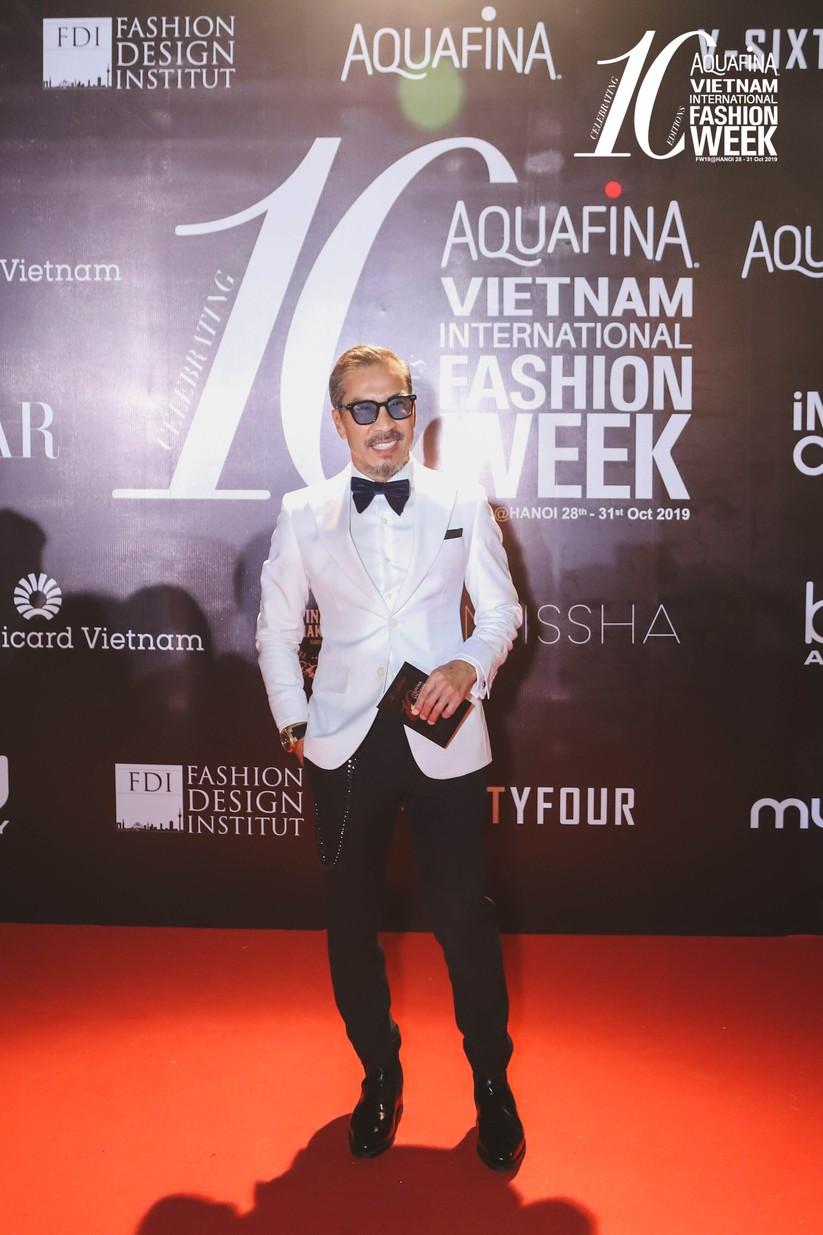Fashionisto Thuận Nguyễn lịch lãm tại thảm đỏ hôm nay