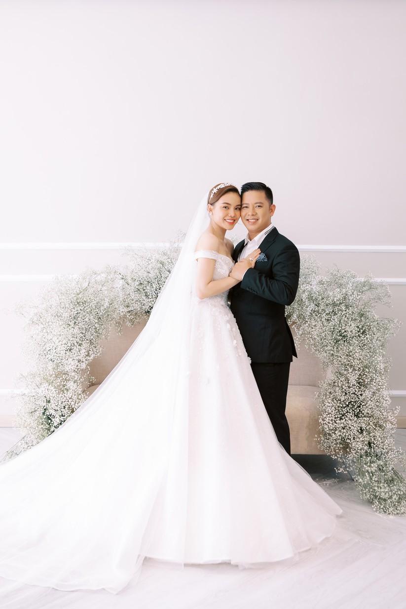 Giang Hồng Ngọc khoe hình cưới cùng chồng và con trai ảnh 7