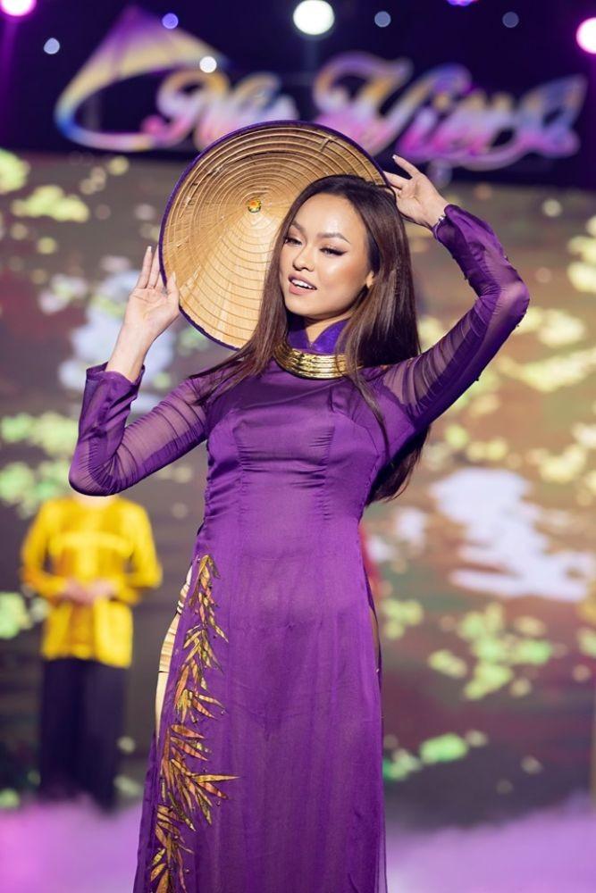NTK Việt Hùng mang Tre Việt ba miền lên sân khấu Nét Việt ảnh 2