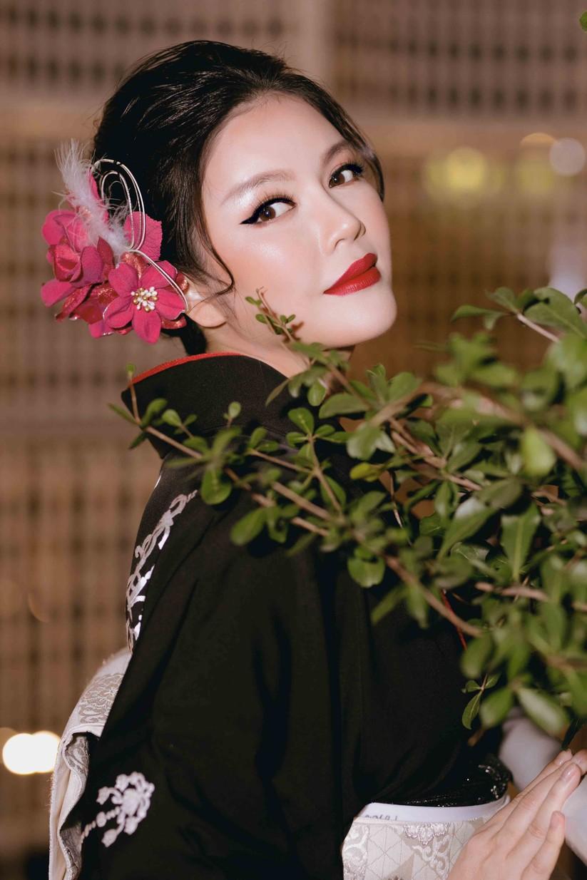 Lý Nhã Kỳ mặc Kimono làm vedette trong show của nhà thiết kế Nhật Bản ảnh 6