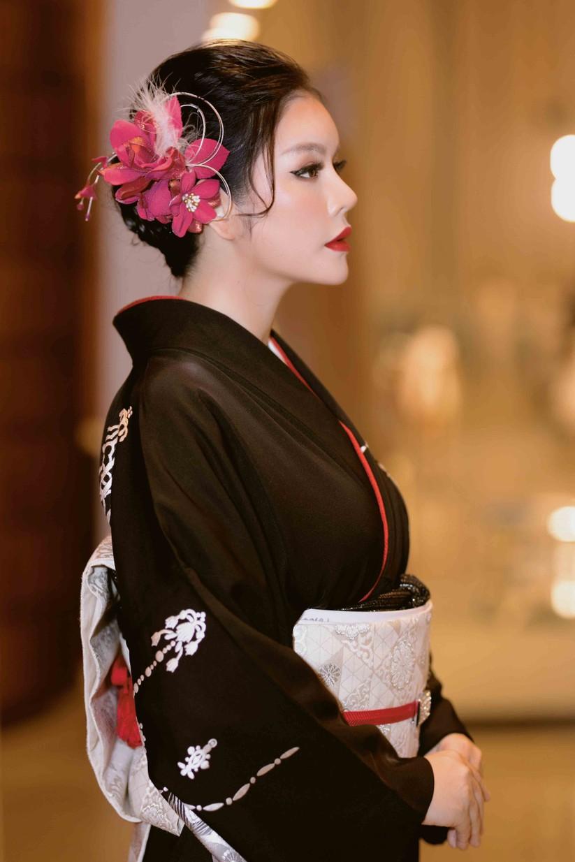 Lý Nhã Kỳ mặc Kimono làm vedette trong show của nhà thiết kế Nhật Bản ảnh 4
