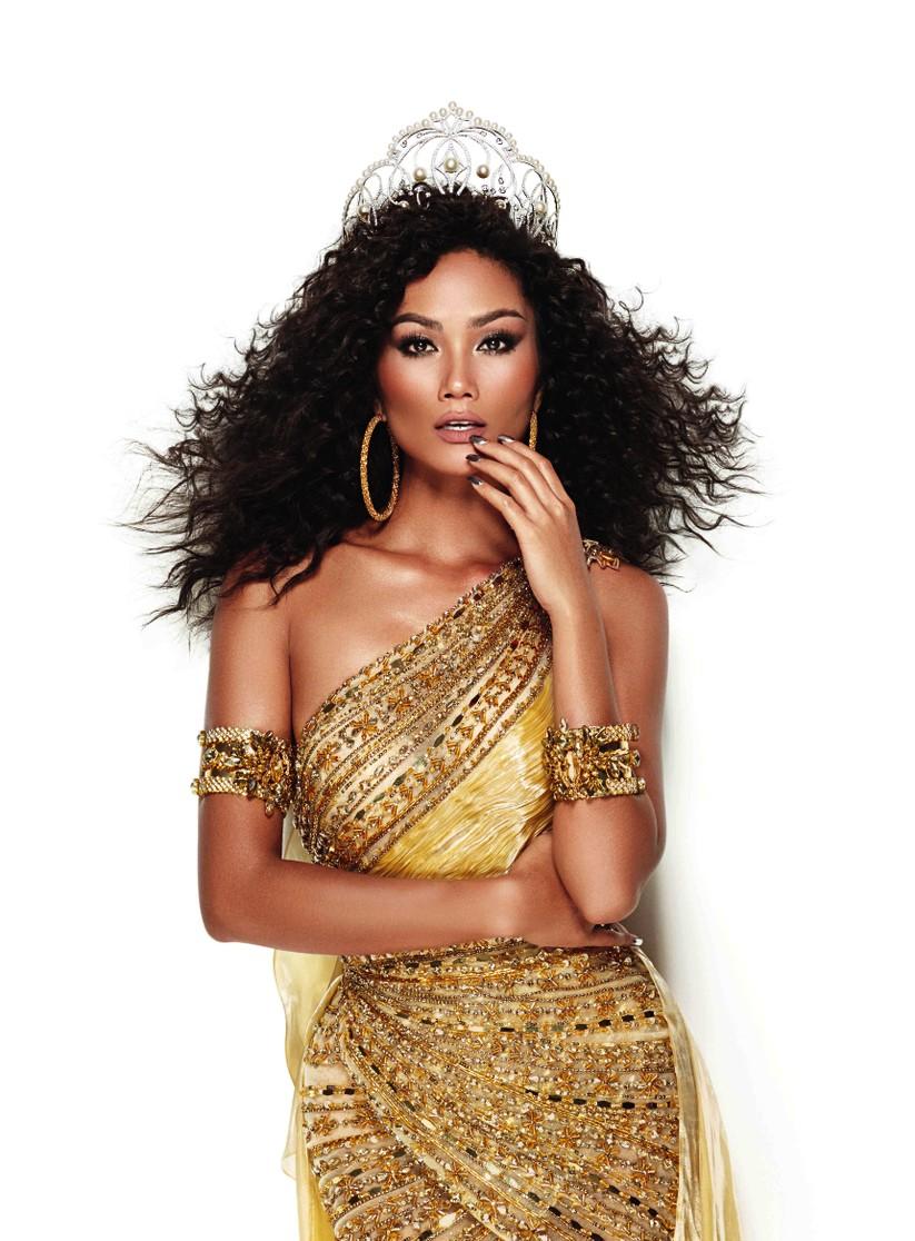 Hoa hậu H'Hen Niê đẹp rực rỡ trong sắc vàng quyền lực ảnh 6