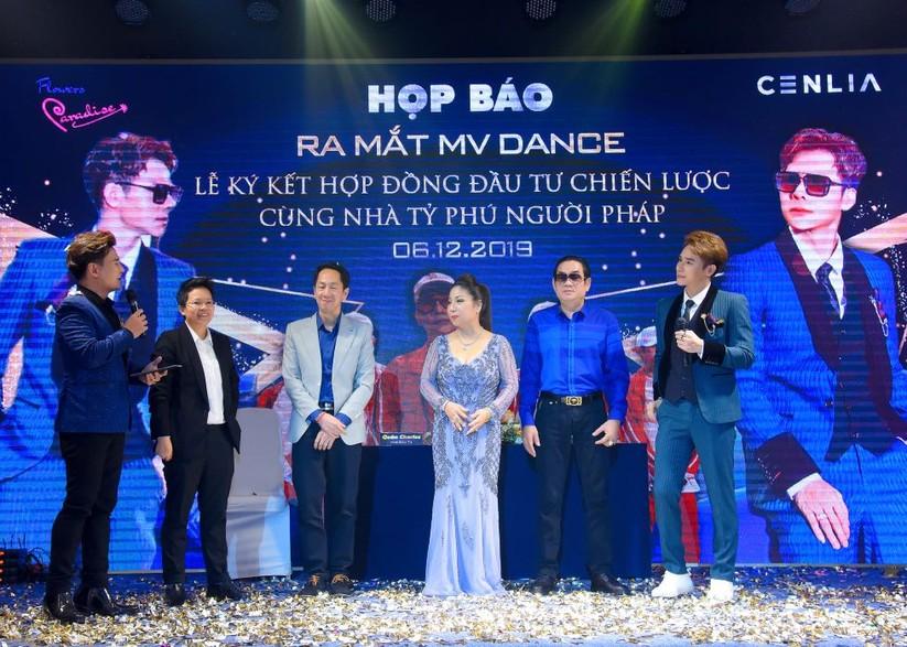 """Chu Bin khoe vũ đạo siêu dẻo trong MV Dance """"Giả vờ thương anh được không""""? ảnh 5"""