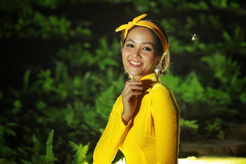 Mãn nhãn với hình ảnh siêu đẹp của Hoa hậu H' Hen Niê trước đại dịch Corona ảnh 1