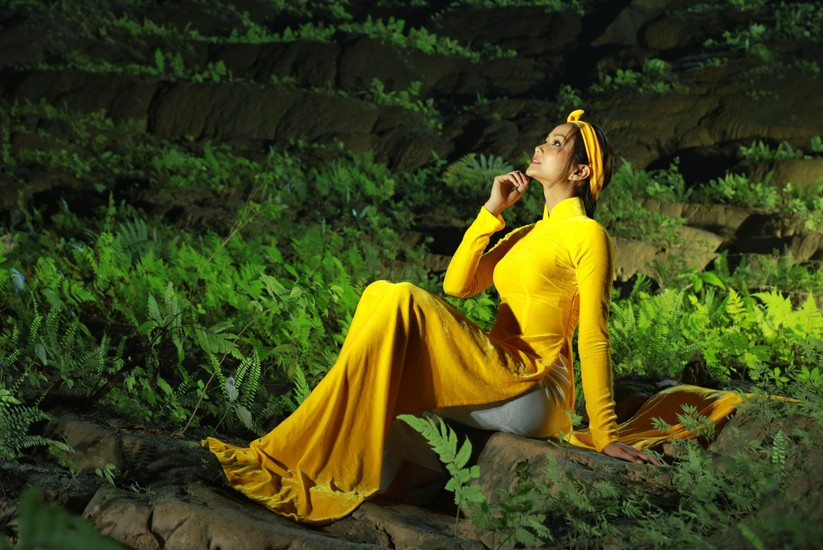 Mãn nhãn với hình ảnh siêu đẹp của Hoa hậu H' Hen Niê trước đại dịch Corona ảnh 6