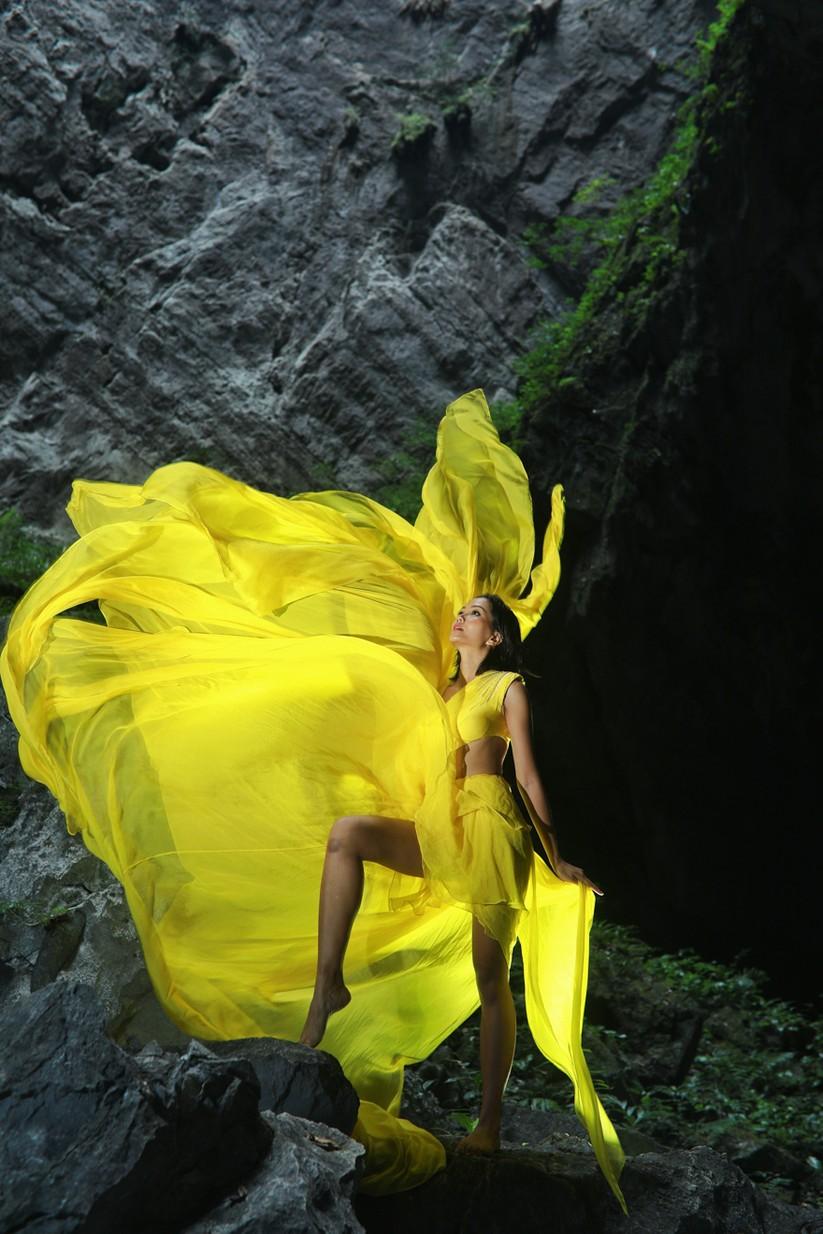 Mãn nhãn với hình ảnh siêu đẹp của Hoa hậu H' Hen Niê trước đại dịch Corona ảnh 13