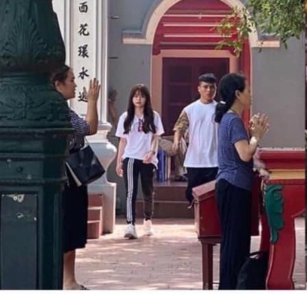 Quang Hải - Huỳnh Anh bị bắt gặp đi phủ Tây Hồ cùng nhau