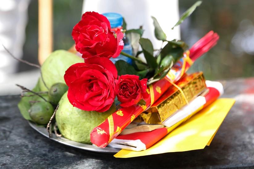 Nam thanh nu tu den chua Ha xin thoat e tang dot bien vao Valentine hinh anh 11