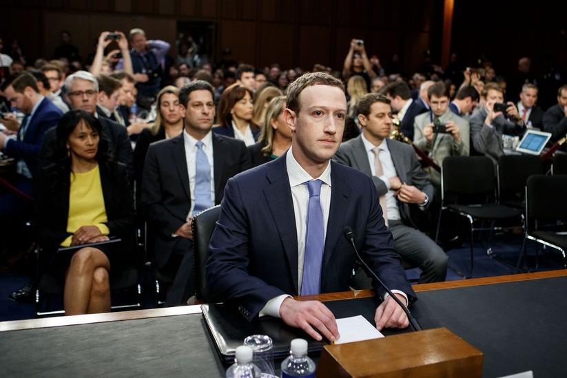 CEO Mark Zuckerberg của Facebook